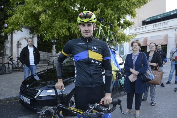 Sanjin Memić započeo biciklistički maraton iz Mostara ka Srebrenici